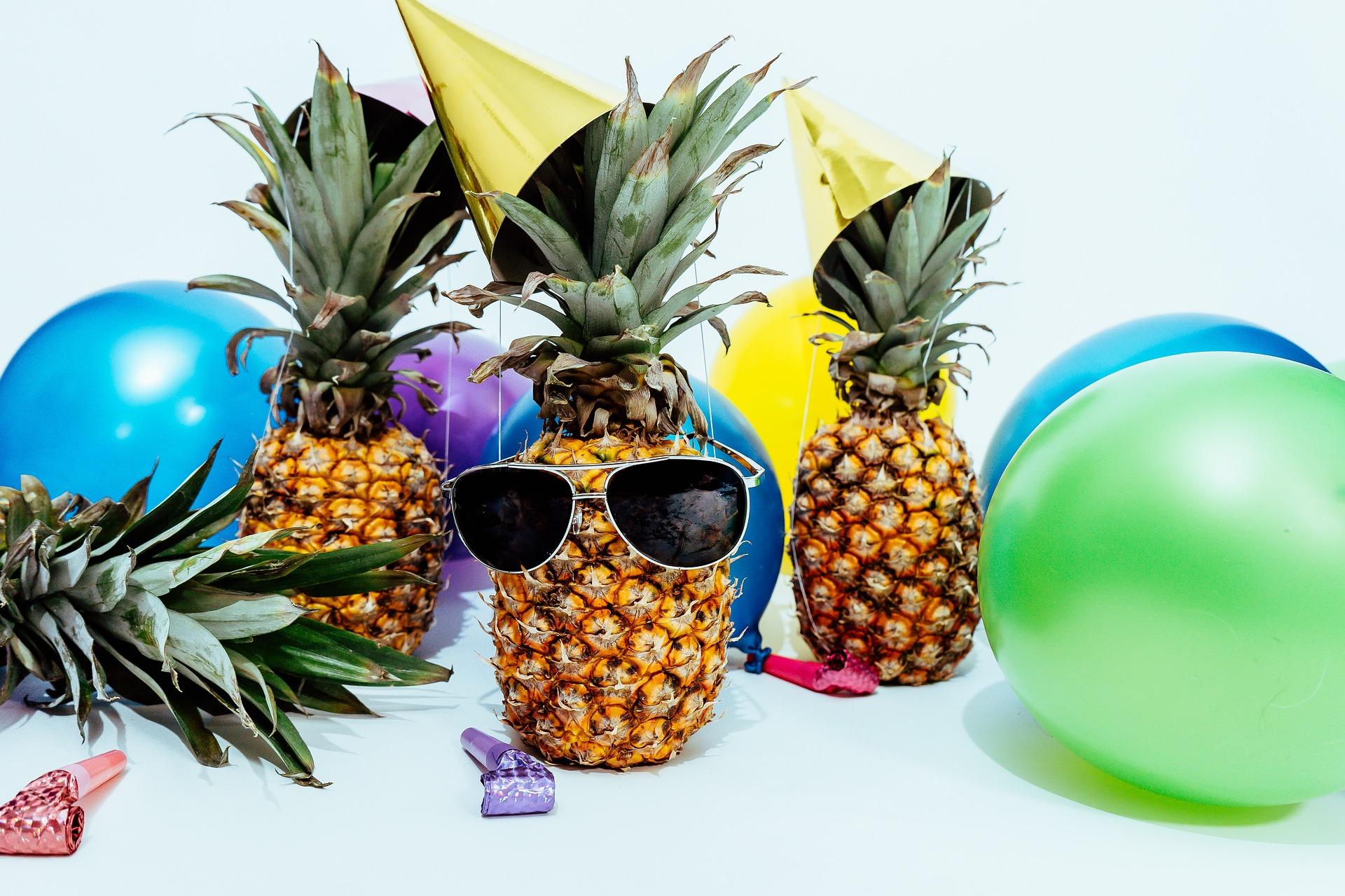 pineapple-2559343_1920