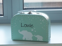 Koffertje naar ontwerp geboortekaartje